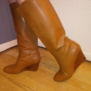 """Banana Republic Leather Pull on 3"""" Wedge Boots"""